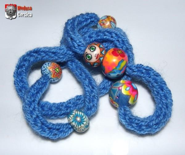 tricotin ambiance bleue avec poupée