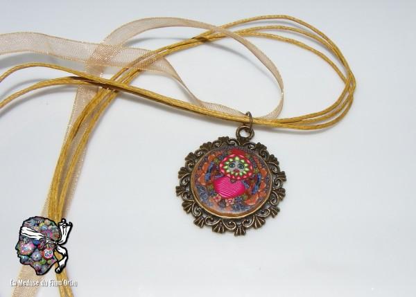 Médaillon millefiori femme coeur de fleurs