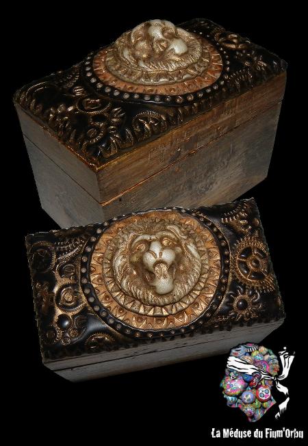 Boite en bois peinte et customisée d'argile polymère