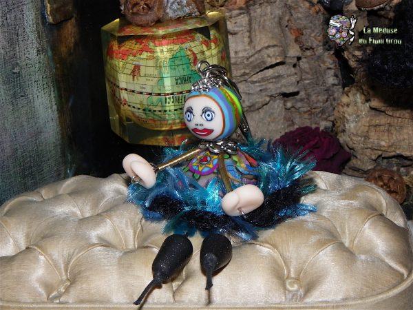 Mini Médusette à jupon tout doux et tête en perle