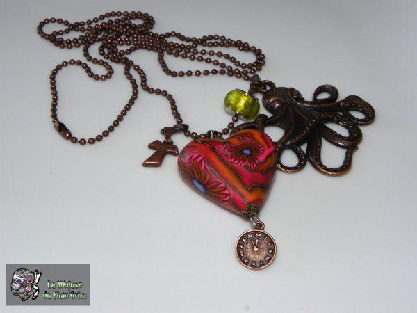 sautoir rétro à coeur rouge