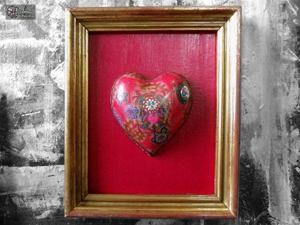 Cadre, coeur sur carton toilé dans encadrement doré