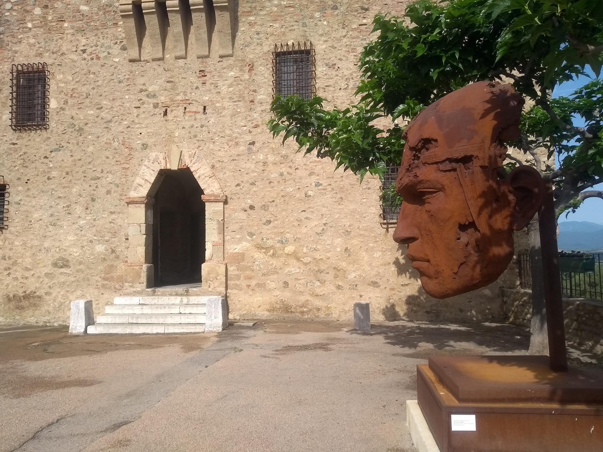 Aleria, archéologie et sculpture contemporaine
