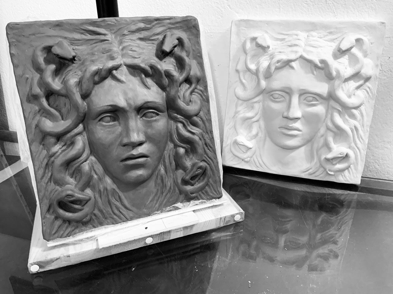 Bas relief Médusa
